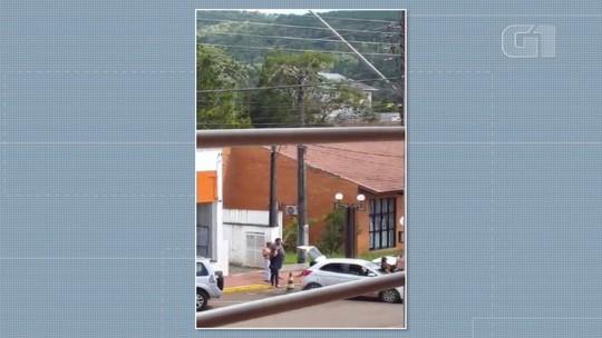 Ladrões invadem banco e fogem usando 'escudo humano' em Bituruna; VÍDEO