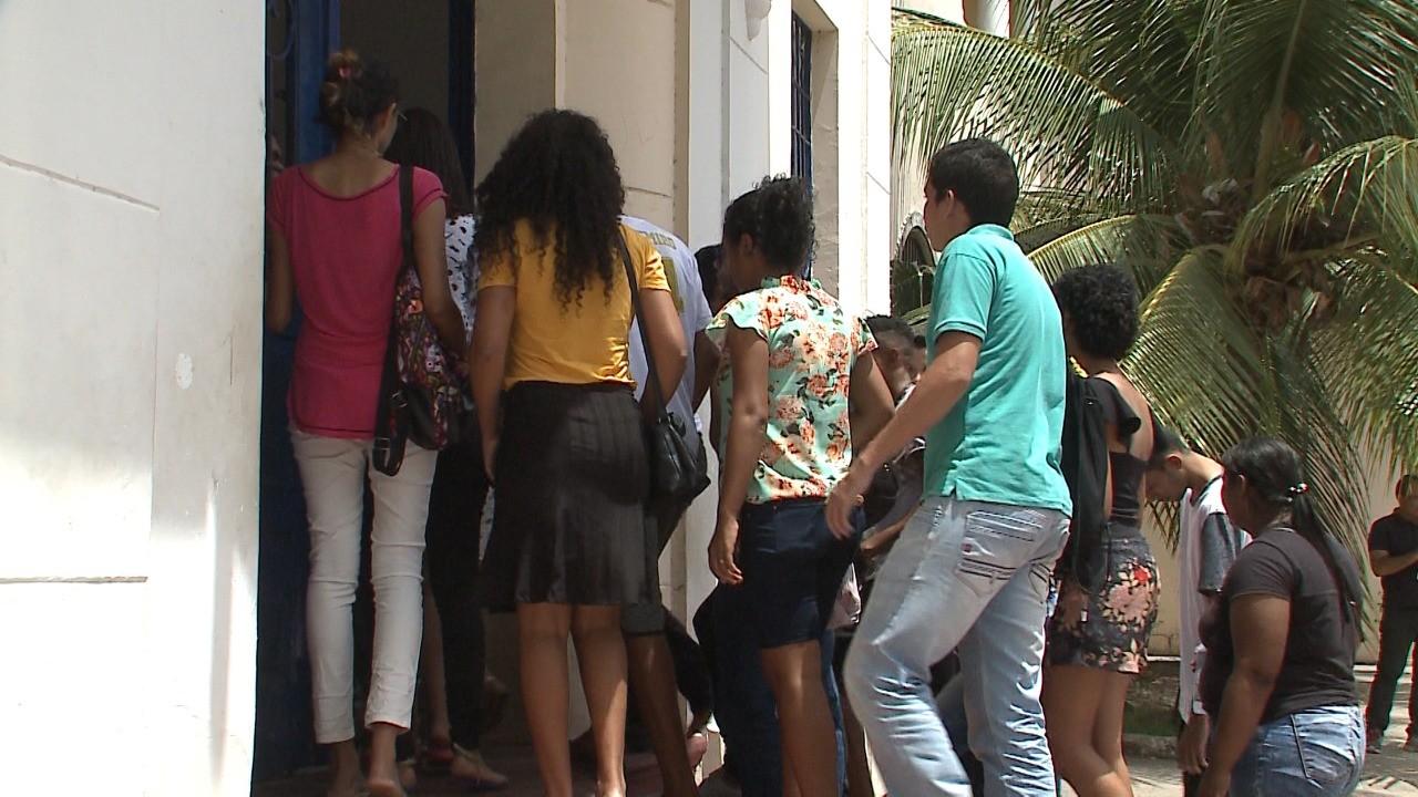 'Bem difícil', avaliam estudantes após 2º dia de Enem no Maranhão