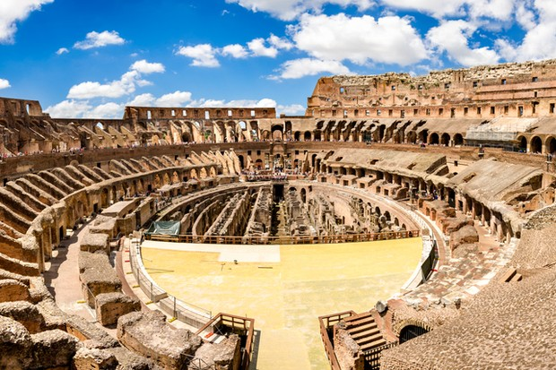 Coliseum also known as the Flavian Amphitheater in Rome, Italy. Sunny day inside the coliseum. (Foto: Getty Images)