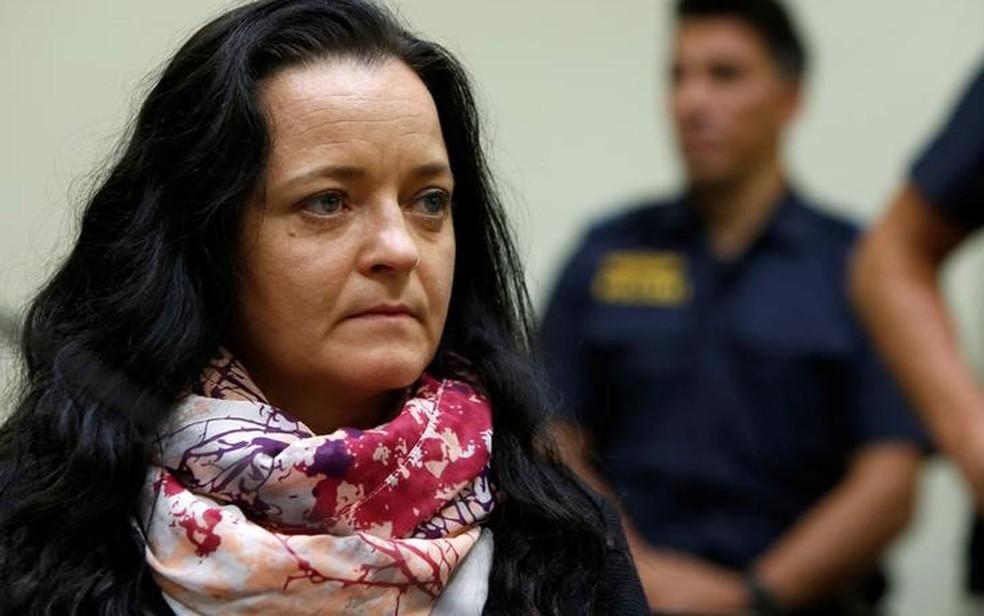 -  Zschäpe é a principal acusada pelas mortes de dez pessoas, nove delas comerciantes de origem turca ou grega  Foto: Reuters/Michaela Rehle