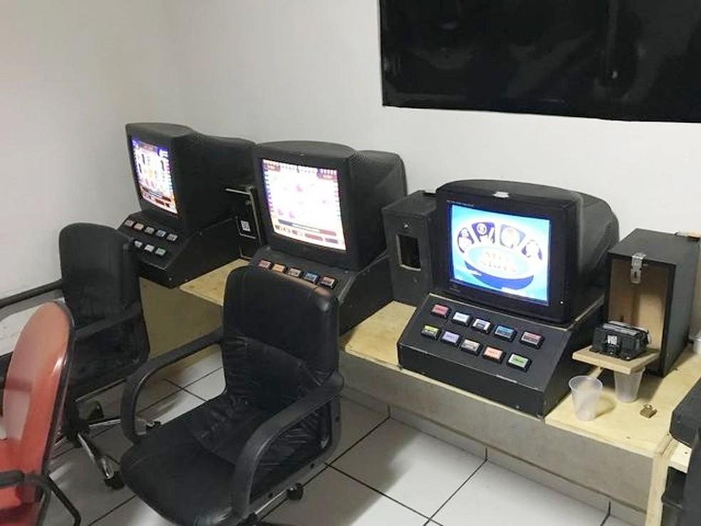 Imagem mostra algumas das máquinas apreendidas durante a operação (Foto: MP/Divulgação)