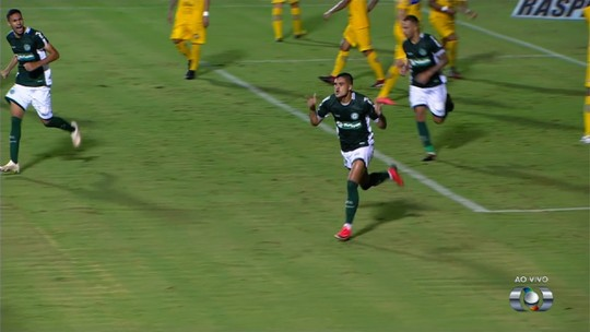 Com apenas quatro gols marcados, centroavantes do Goiás tentam superar desconfiança