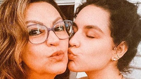 Espelho da Vida: Zeiva Buchmann, mãe da Kéfera, bate papo sobre a nova novela das 6