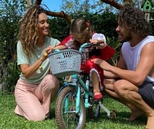 Débora Nascimento, Bella e José Loreto se reuniram no aniversário da menina | Reprodução