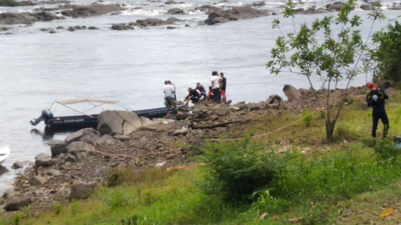 Resgatado corpo de jovem que desapareceu ao tentar atravessar o Rio Araguari, no Amapá