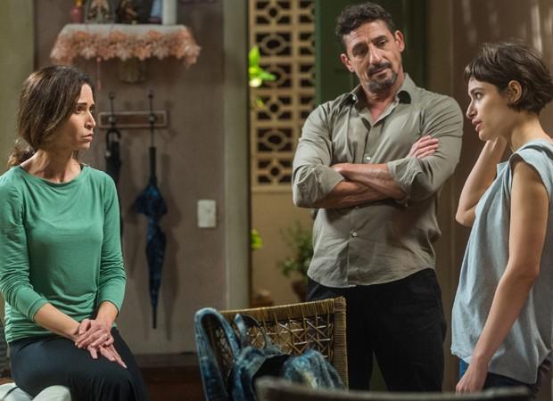 Ingra Lyberato com Tuca Andrada e Luísa Arraes em cena de Segundo Sol (Foto: Raquel Cunha/TV Globo)