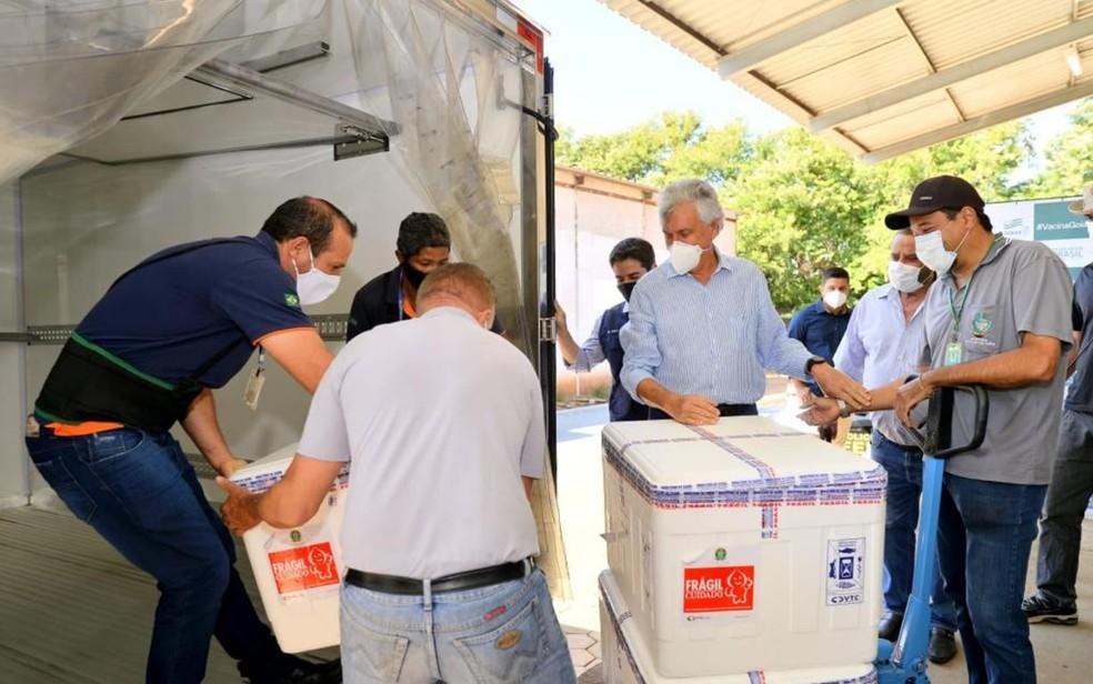 Goiás recebe novas doses de vacina contra a Covid-19 — Foto: Governo de Goiás/Divulgação