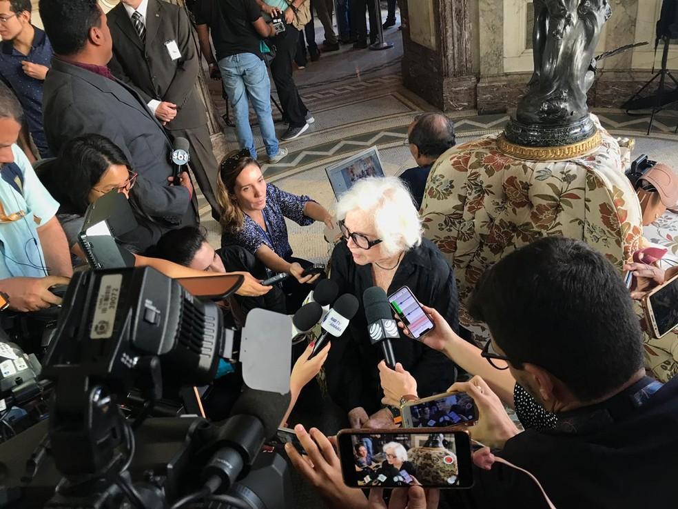 Nathalia Timberg também compareceu ao velório de Ruth de Souza — Foto: Fernanda Rouvenat/G1