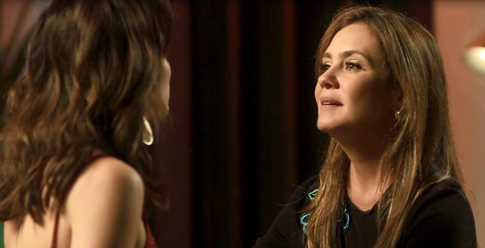 Laureta quer saber quem é o pai (Foto: TV Globo)
