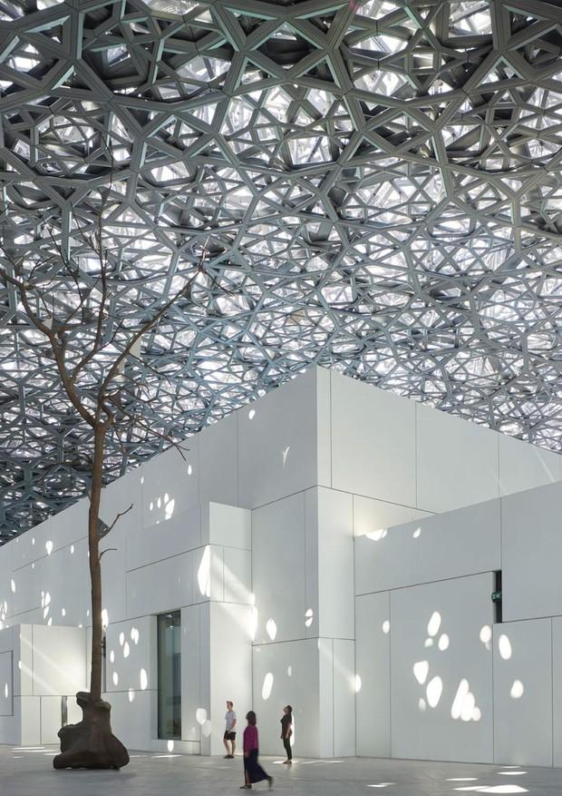 Louvre Abu Dhabi (Foto: Roland Halbe)