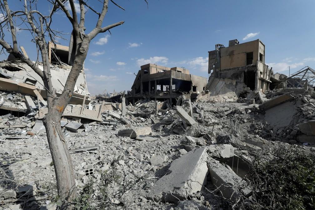 Centro de pesquisa científica destruído em Damasco por bombardeiro de EUA e aliados, em Barzah, no norte da cidade (Foto: Omar Sanadiki/Reuters)