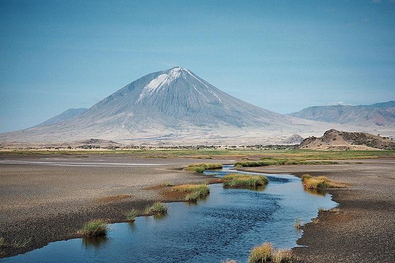 "Ol Doinyo Lengai, ou ""Montanha de Deus"", na Tanzânia (Foto: Clem23/Wikimedia Commons)"