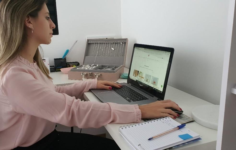 Home office em Itapetininga na pandemia — Foto: Luciane Parrilha/Arquivo pessoal
