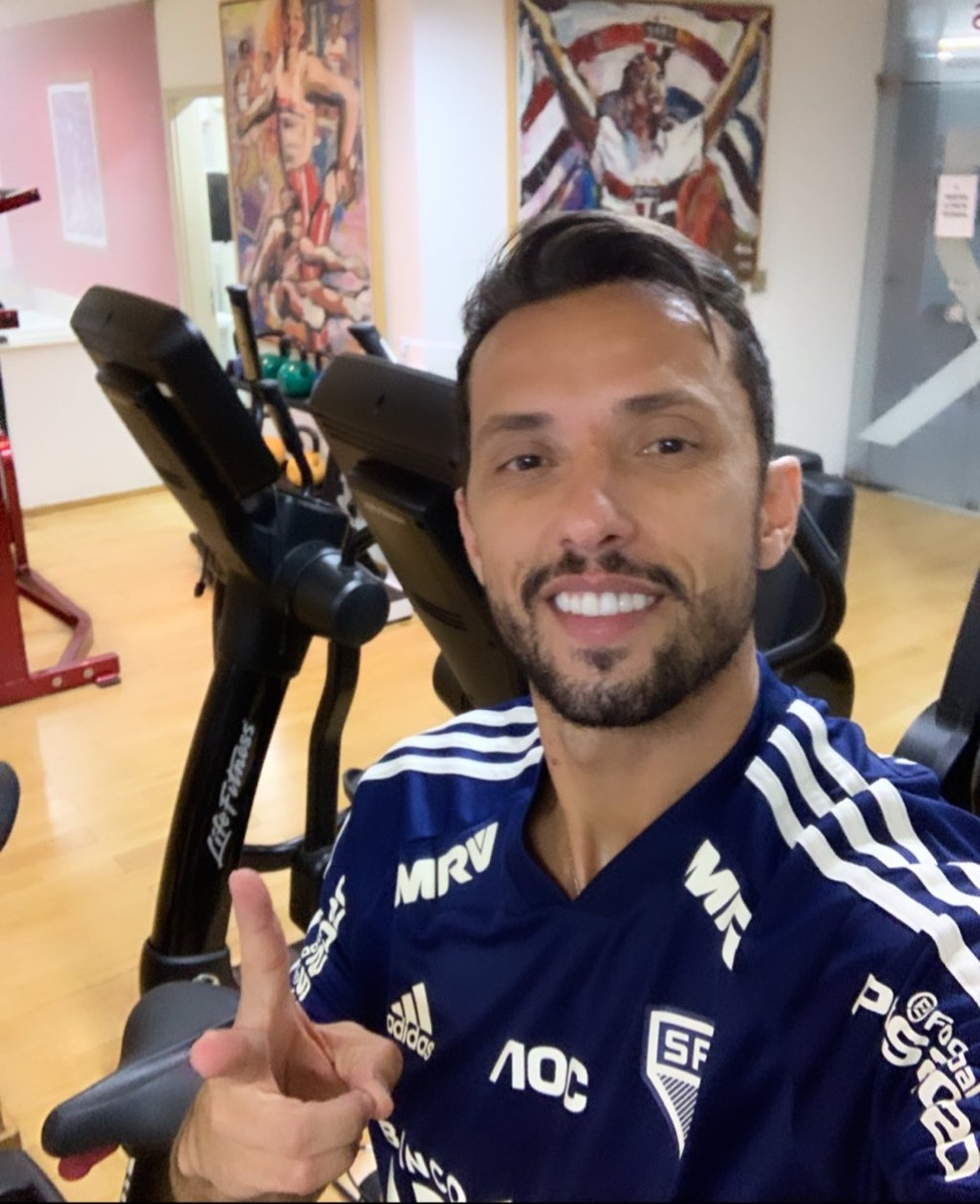 Nenê segue treinando no CT do São Paulo — Foto: Reprodução / Instagram