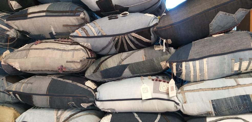 Almofadas para uso no auditório que possui capacidade para até 200 pessoas. — Foto: Divulgação