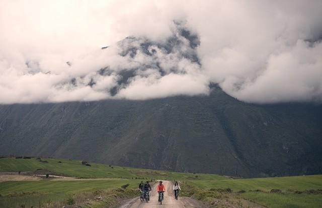 Passeios de bicicleta pelas redondezas agregam à experiência (Foto: divulgação / Explora)