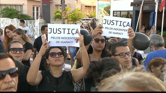 Ativistas realizam protesto em João Pessoa contra morte de cães em Igaracy, PB