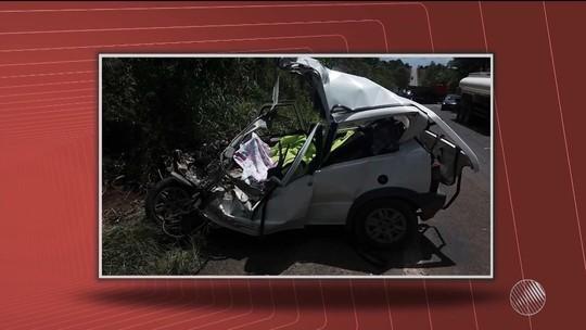 Acidente entre carro e caminhão deixa dois mortos no sul da Bahia
