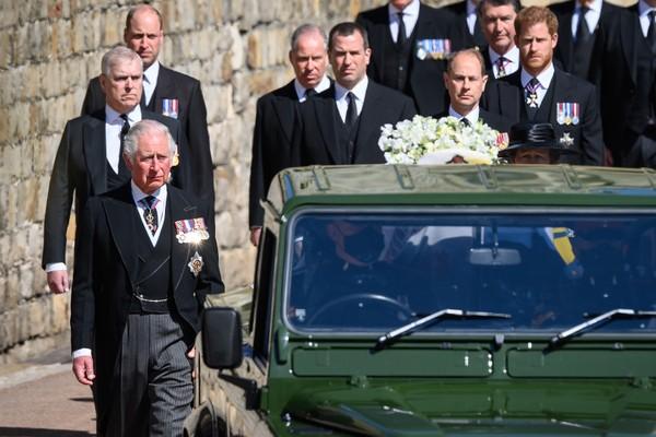 Los príncipes Carlos, William y Harry en el funeral del príncipe Felipe (Imagen: Getty Images)