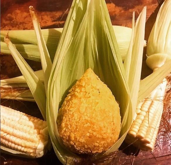 Cine Botequim: coxinha vegetariana feita de milho