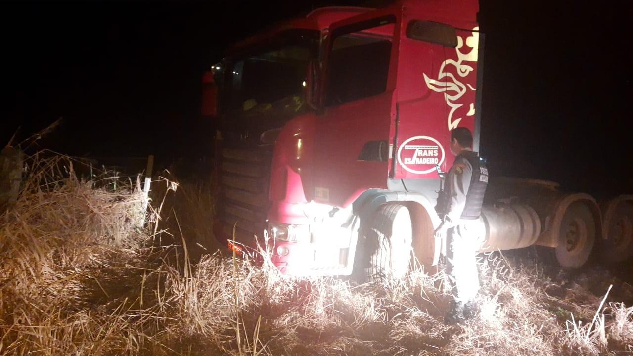 Caminhoneiro é sequestrado por ladrões que roubam carga de 48 toneladas de soja em MT