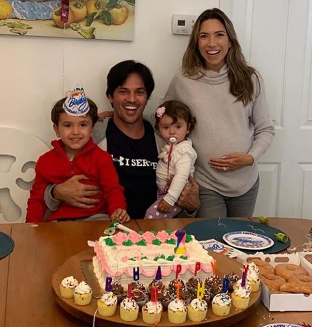 Patrícia Abravanel e Fábio Faria com os filhos, Pedro e Jane (Foto: Reprodução/Instagram)