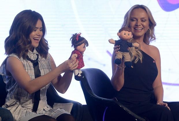 Maisa e Eliana cm os mascotes Nina e Tonzinho (Foto: Francisco Cepda/AgNews)