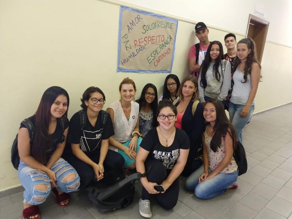 Escola de Jacareí se solidarizou com tragédia de Suzano — Foto: Reprodução/ Redes Sociais