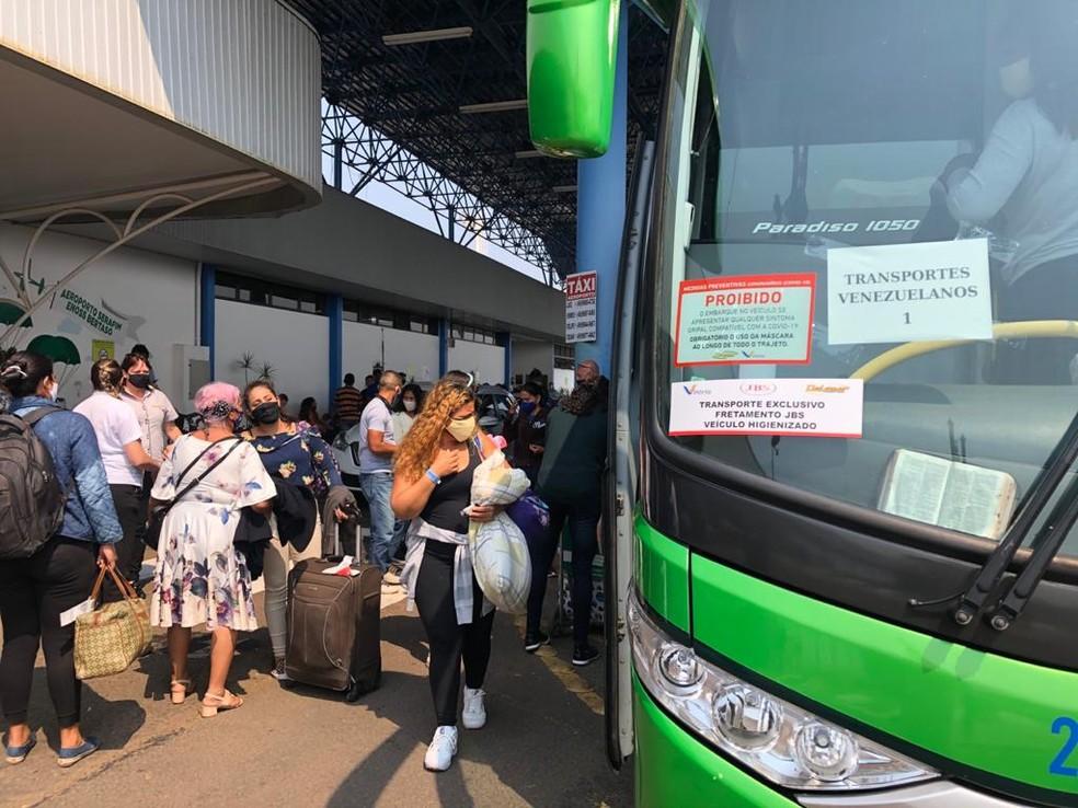 Venezuelanos chegam a SC para trabalhar em indústrias no oeste do estado  e encontrar familiares, em foto de outubro de 2020 — Foto: Fernanda Moro/NSC TV