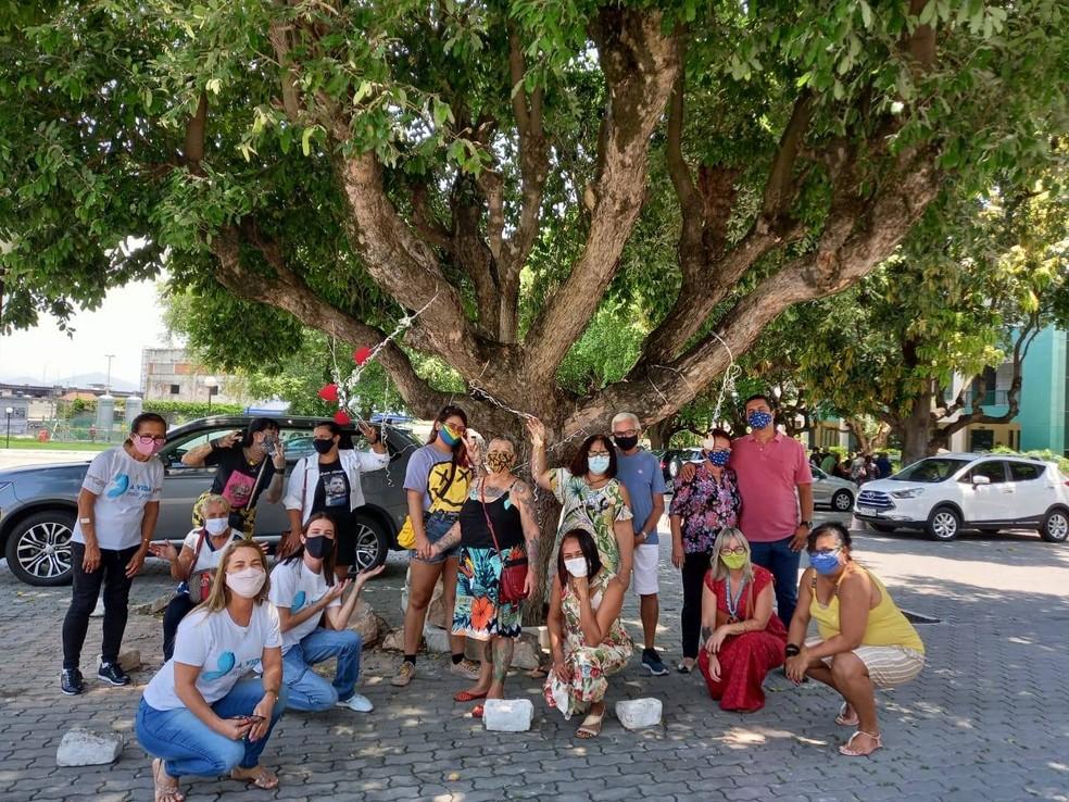 Com a pandemia, número de participantes do Grupo Amigos Solidários na Dor do Luto RJ aumentou 60% e reuniões passaram a ocorrer no Cemitério da Penitência, no Caju. — Foto: Reprodução/Facebook