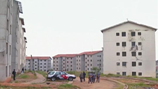 PM cumpre reintegração de posse em residencial no Jardim Margareth em Suzano