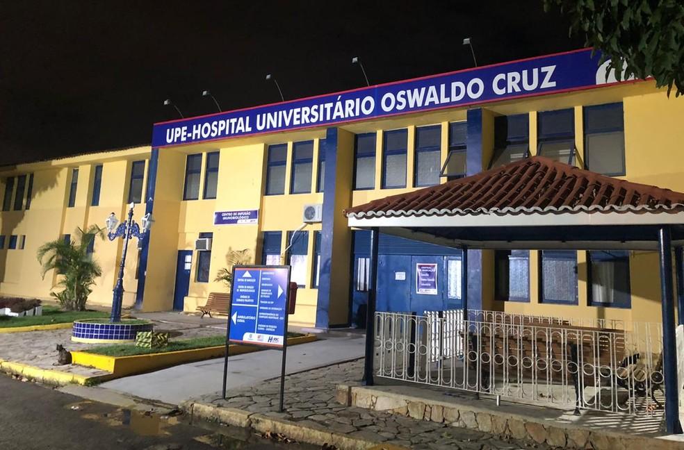 Hospital Universitário Oswaldo Cruz, localizado no bairro de Santo Amaro, na região central do Recife — Foto: Pedro Alves/G1