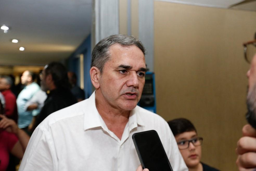 Sabino é ex-deputado federal e é considerado líder da manifestação dos PMs — Foto: JL Rosa/SVM