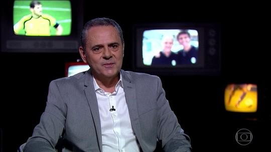 Luís Roberto relembra Holanda e Espanha pela Copa de 2014