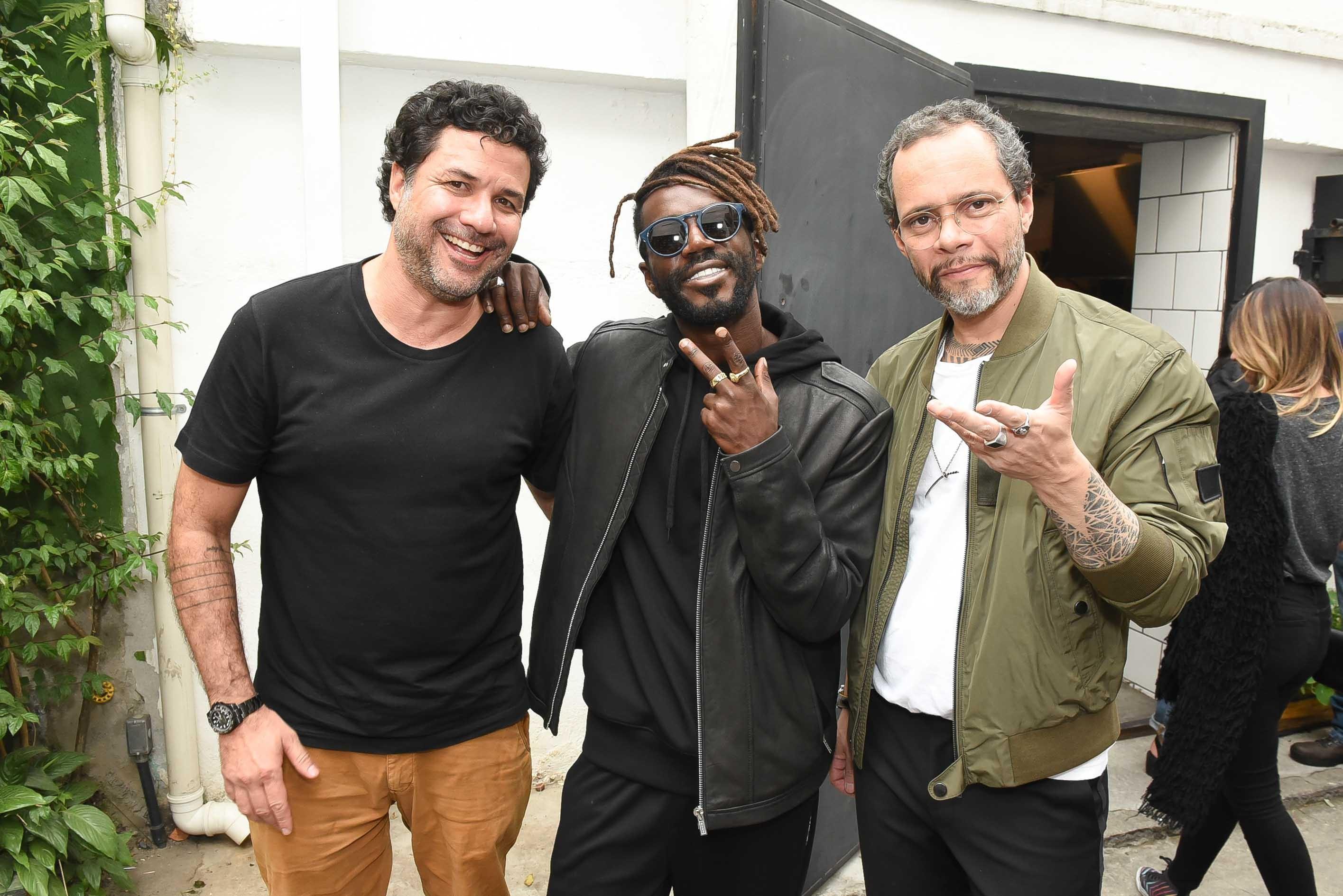 Alexandre Pernet, Jonathan Azevedo e o direto de redação Ricardo Franca Cruz no churrasco da aniversário #GQ7anos (Foto: Cleiby Trevisan)