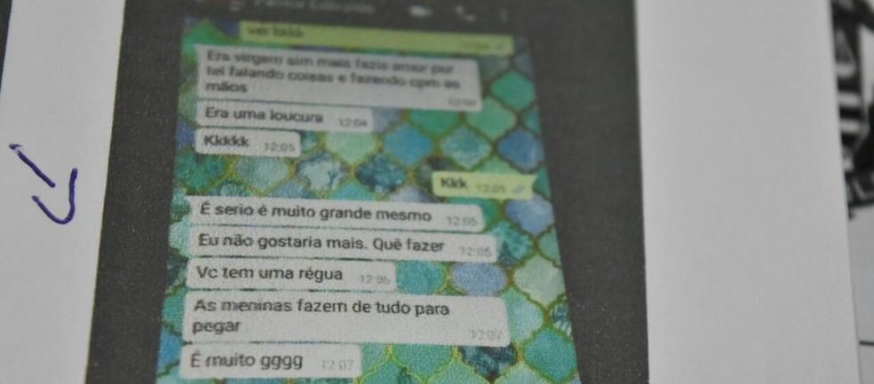 Adolescente entregaram as mensagens para a polícia (Foto: Divulgação/Polícia Civil)