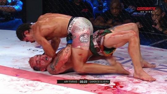 Em luta sangrenta, Ari Farias vence Saimon de Oliveira no ACB 82