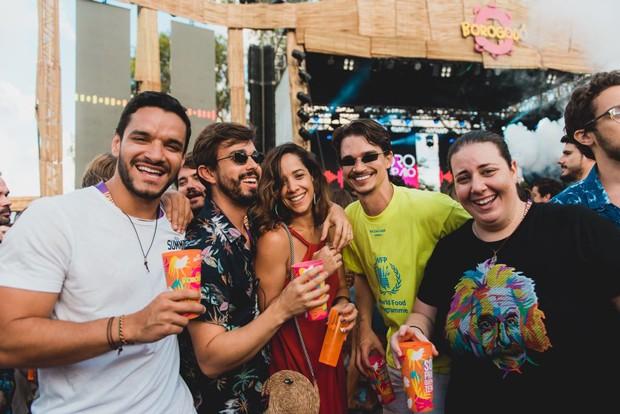 Thiago Wanderley, Rafael Lobo, Renata Barroca, Victor Carvalheira e Clara Frank (Foto: Wes Allen/ Divulgação)