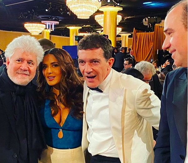 Pedro Almodovar, Salma Hayek and Antonio Banderas in the picture during the Golden Globe awards In the year 2020 (photo: Instagram)