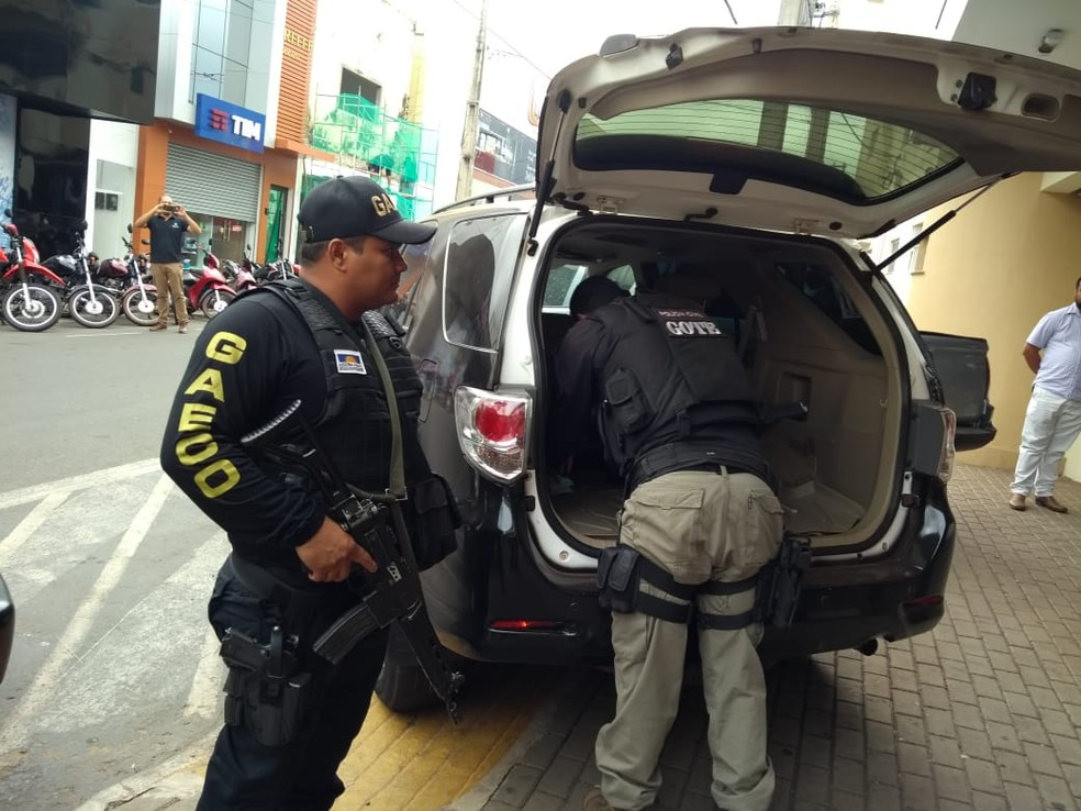 Gaeco investiga esquema de venda de CNHs — Foto: Ascom/MPE