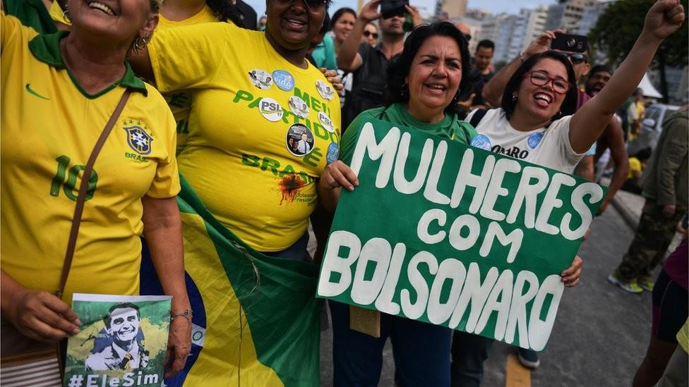 Parte do sucesso com o eleitorado de deu por Bolsonaro transmitir uma imagem de franqueza e dialogar com valores de uma sociedade conservadora (Foto: Getty Images via BBC News)