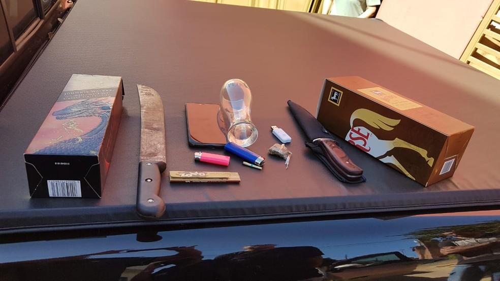 Materiais apreendidos no carro do homem, segundo a Polícia Civil — Foto: Polícia Civil / Divulgação
