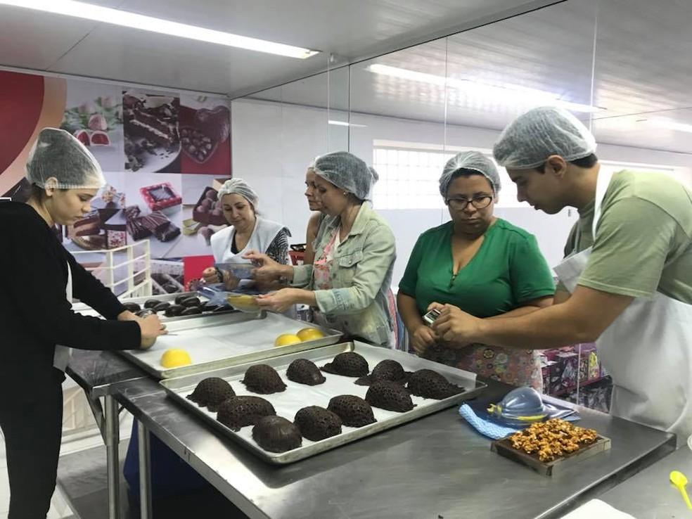 Cursos de chocolate vegano atraiu dezenas de pessoas em Sorocaba  (Foto: Arquivo Pessoal/Divulgação)