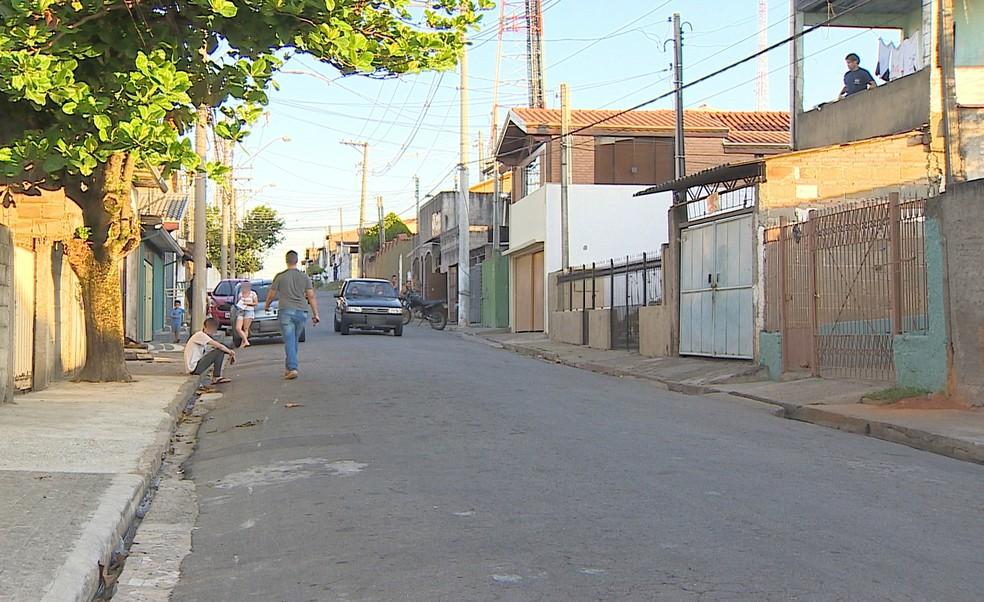 Acidente aconteceu no Jardim Baronesa, em Taubaté (Foto: André Bias/TV Vanguarda)