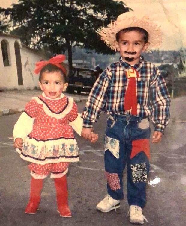 Anitta e o irmão, Renan Machado (Foto: Reprodução/Facebook)
