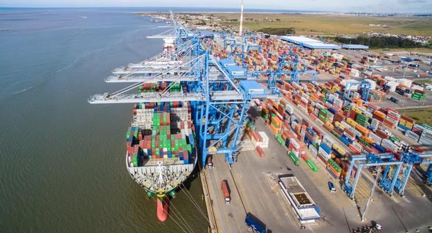 Empresa viabiliza transporte marítimo de trigo em contêiner no RS