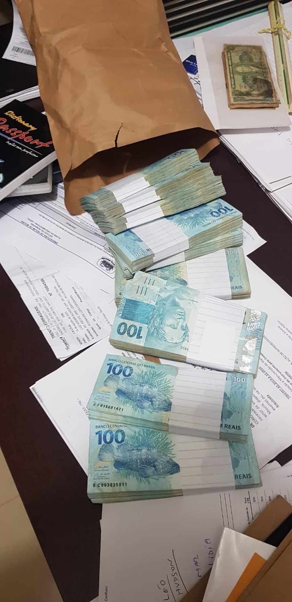 Dinheiro apreendido durante operação Reciclagem, em Rondônia — Foto: PF/Divulgação