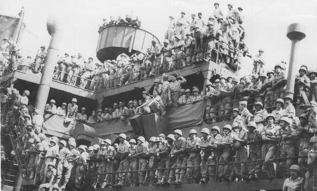 Regresso da II Guerra Mundial do 3º escalão da FEB