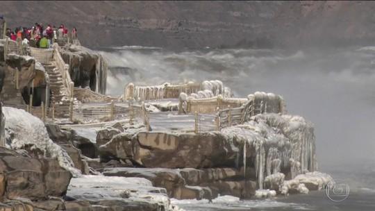 China alerta para 2ª onda de neve após suspender alerta de nevasca