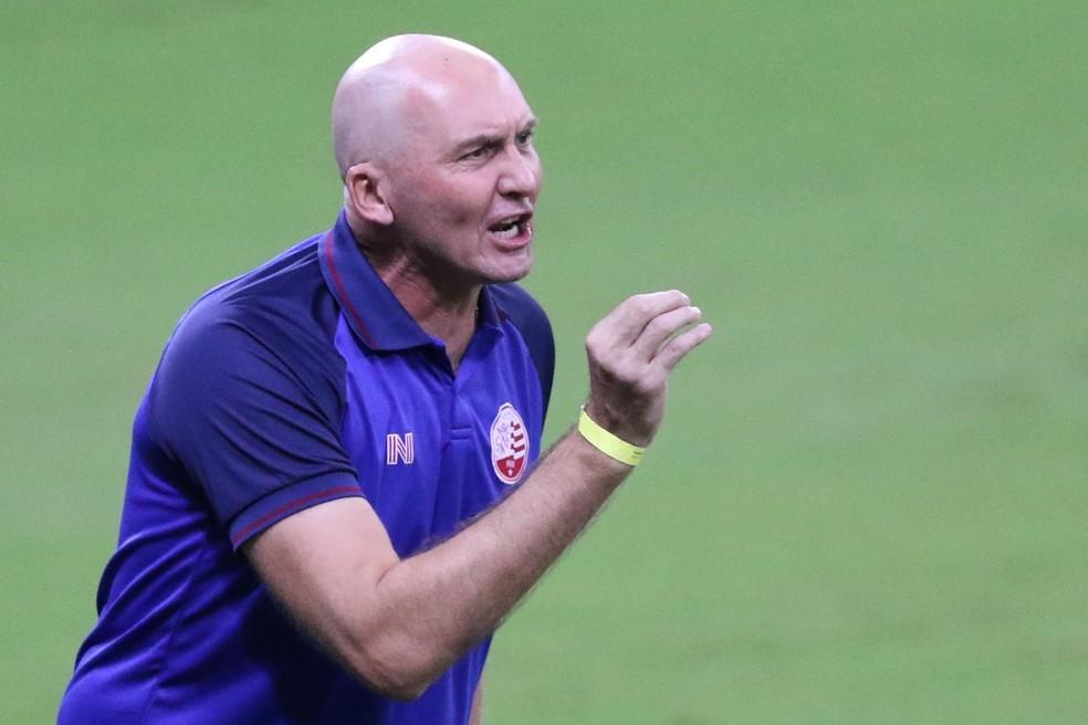 GIlmar Dal Pozzo é o novo treinador do Paraná. Ele estreia na próxima semana  — Foto: Marlon Costa / Pernambuco Press